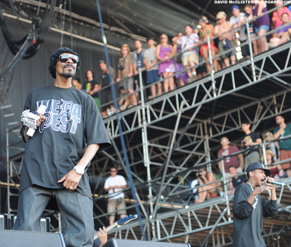 Bonnaroo_snoop_dogg_billboard1